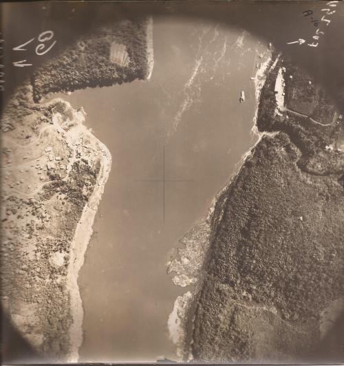 Vista aérea do rio paraná entre o Brasil e Paraguai....dos tempos idos. ( foto cedida por Loty Ferreira).