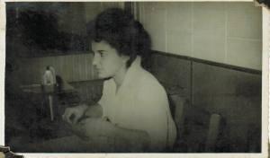 Maria da Glória Godoy, 3° locutora da Rádio Cultura de Foz do Iguaçu em 1962...