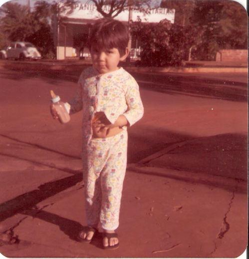Foz do Iguaçu dos anos 80...Av. Paraná...Wagner Ojeda e atrás uma Padaria onde hoje funciona a Confeitaria Engenho Doce...
