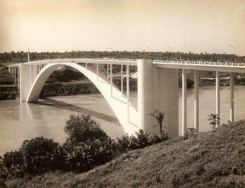 Ponte Internacional da Amizade.