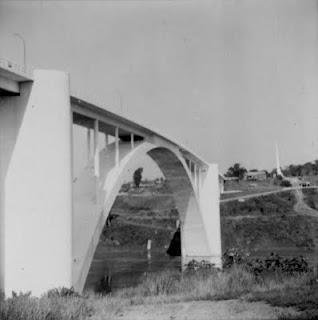 Relembrando a beleza da Ponte Internacional da Amizade dos tempos idos...