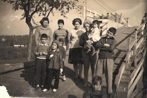 Família Moura em Foz, no ano de 1962, nas obras da Ponte da Amizade. (foto M. Elvira)
