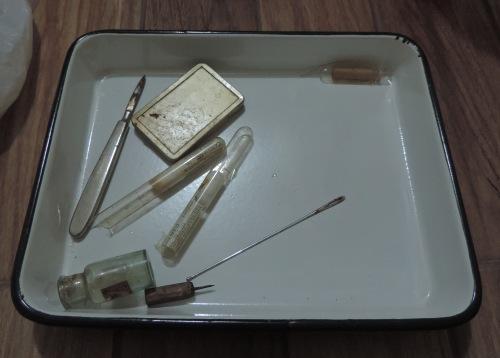 Instrumentos médicos usados pelo 1° médico de Foz do Iguaçu, Dr. Dirceu Lopes. ( cortesia de R.S.D)
