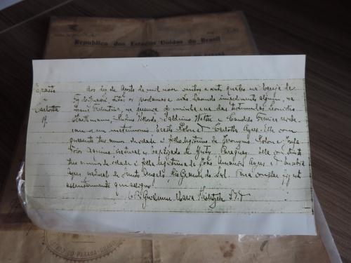 Certidão de casamento do casal de pioneiros Erasto e Carlotta, pais da Prof° Odete Rollon, do ano de 1924 em cerimônia realizada por Monsenhor Guilherme, na Matriz São João Batista.