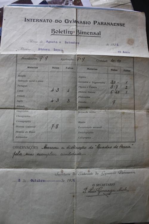 História de Foz do Iguaçu...pioneiros e suas relíquias. Caderneta do 1° médico de Foz, Dr. Dirceu Lopes...