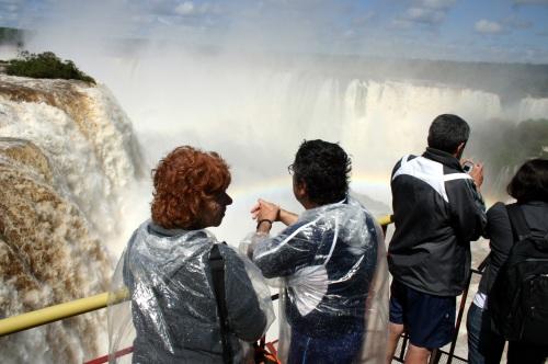 Grande vazao nas Cataratas do Iguaçu. Foto Adilson Borges