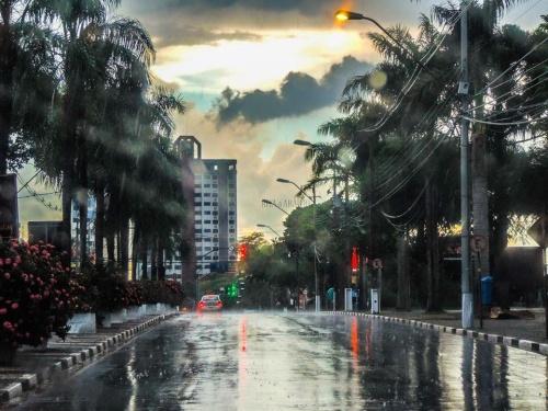 O por do sol em Foz do Iguaçu é sempre um show  em especial...